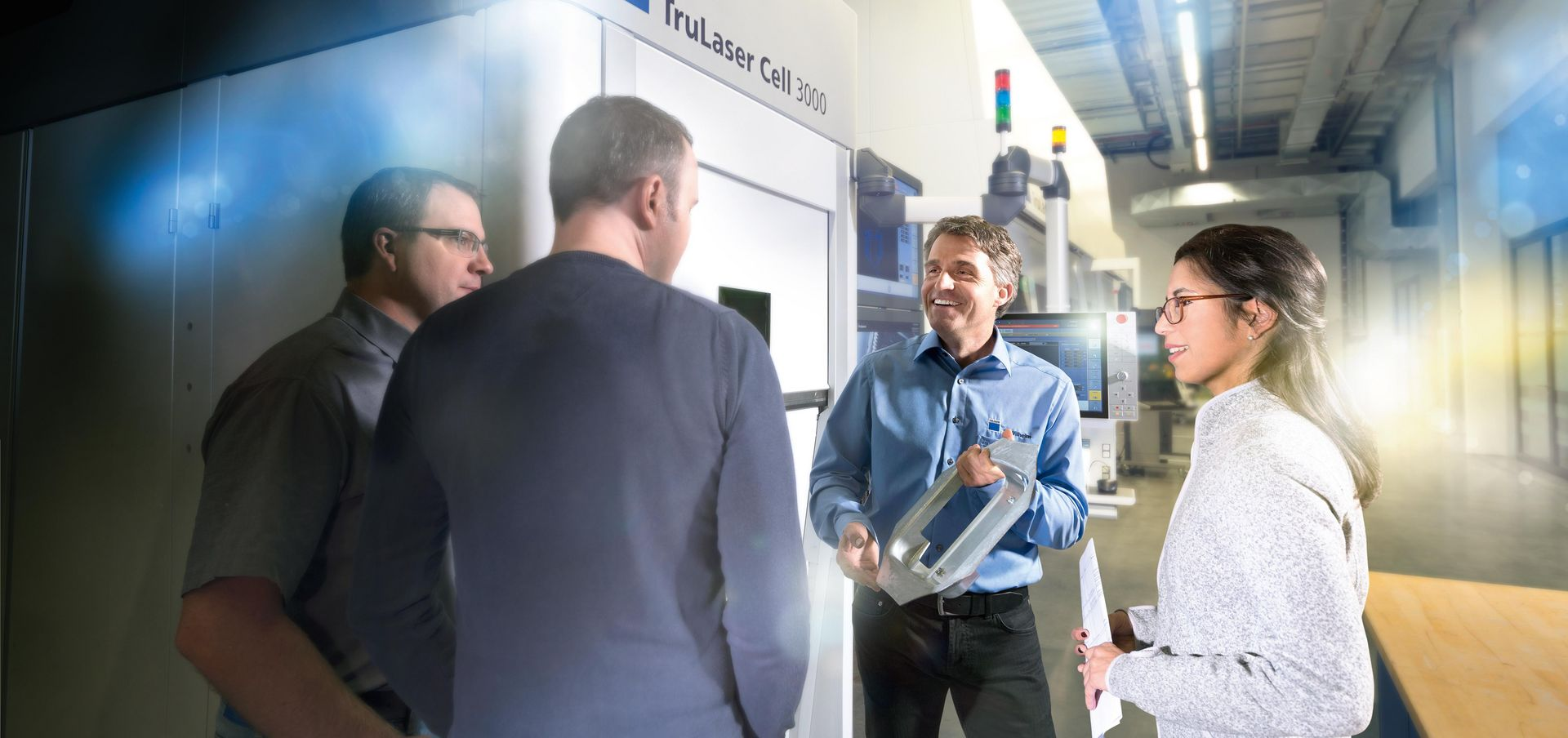 Key visual of TRUMPF Services Training