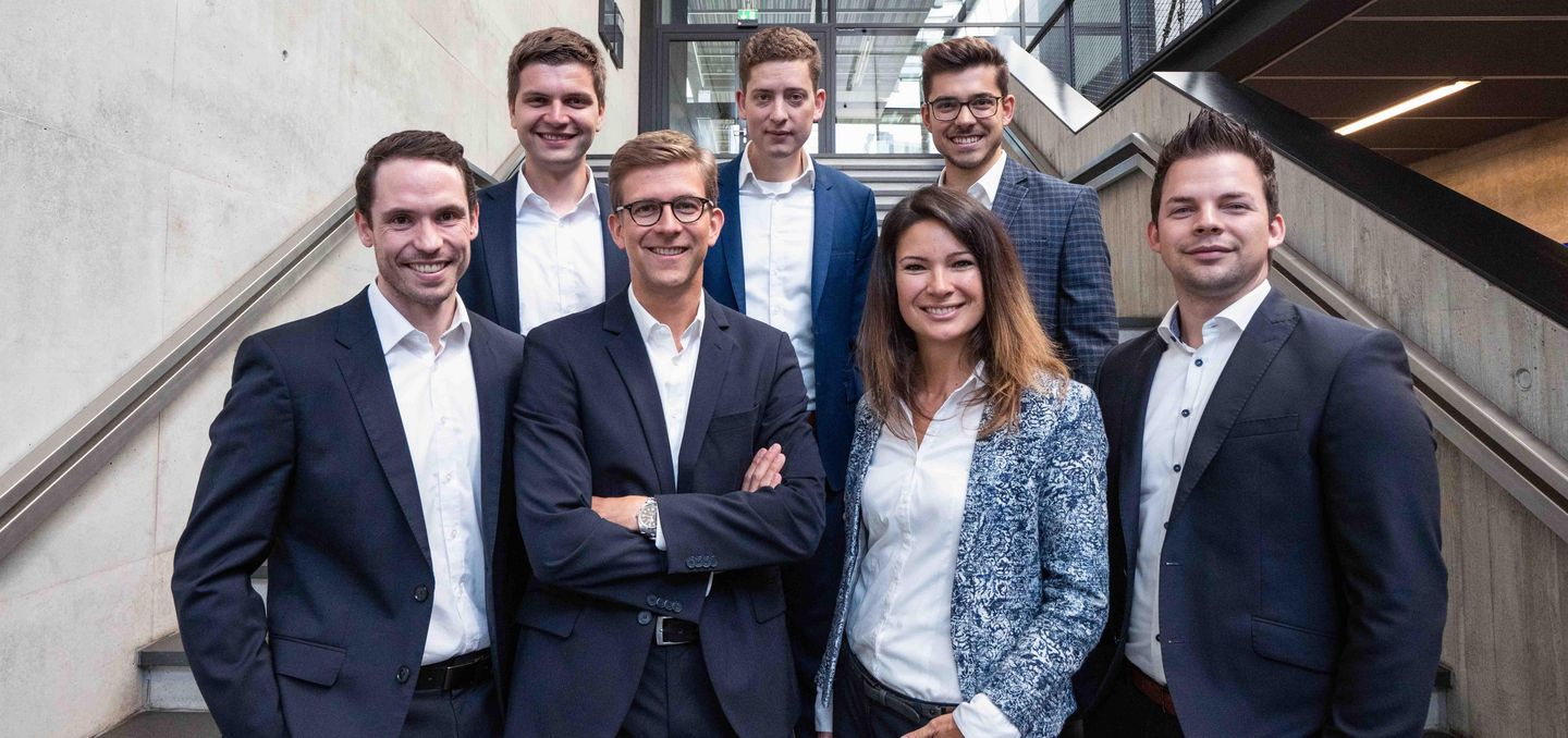 Group picture of the Smart Factory Consulting Team