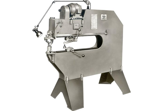 historical picture of the TAS 4 machine of TRUMPF