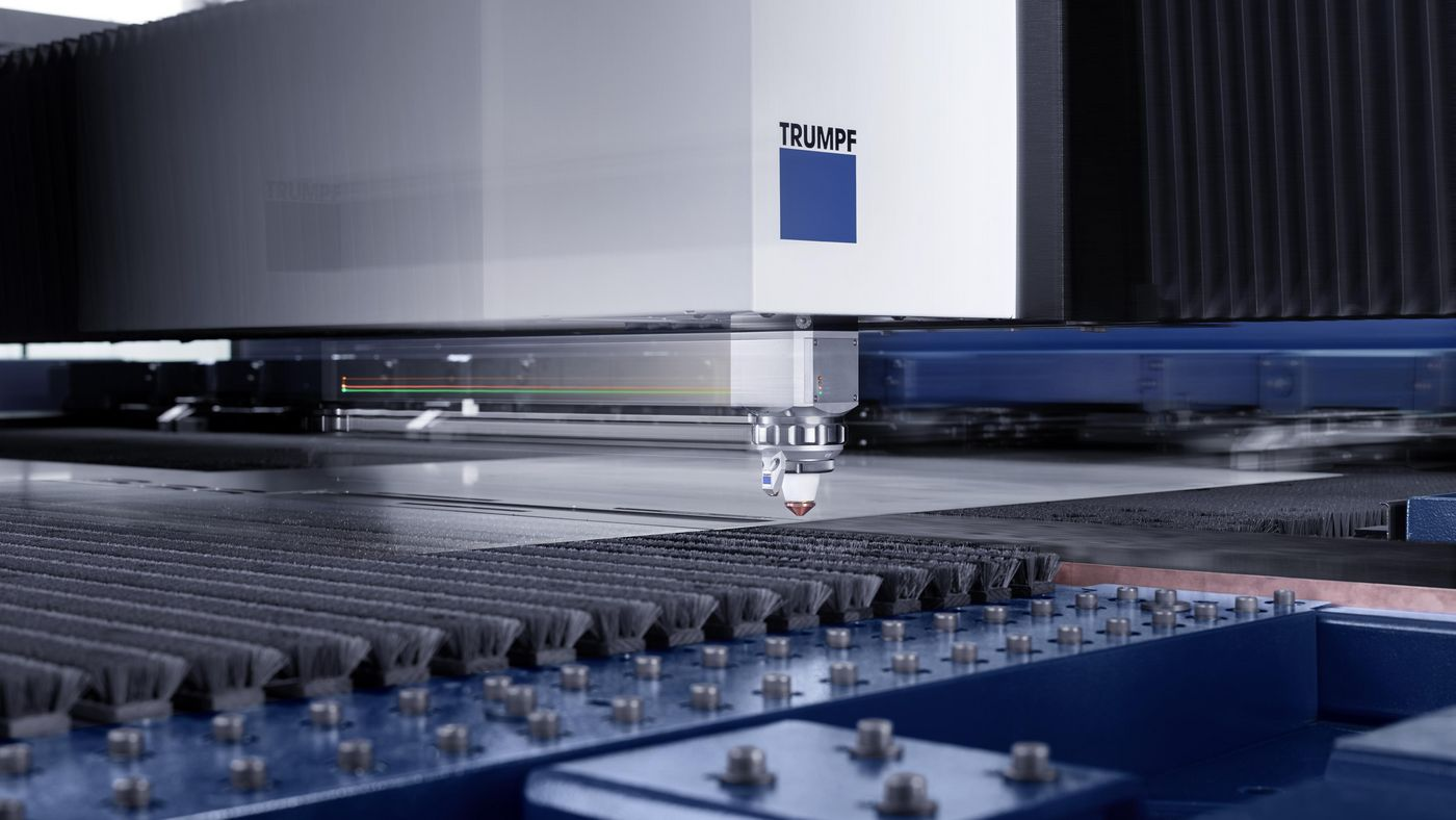 TruLaser Center 7030, cutting head in action