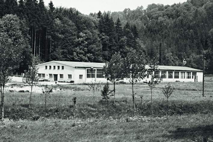 historical picture of the company building of TRUMPF in Hettingen Germany