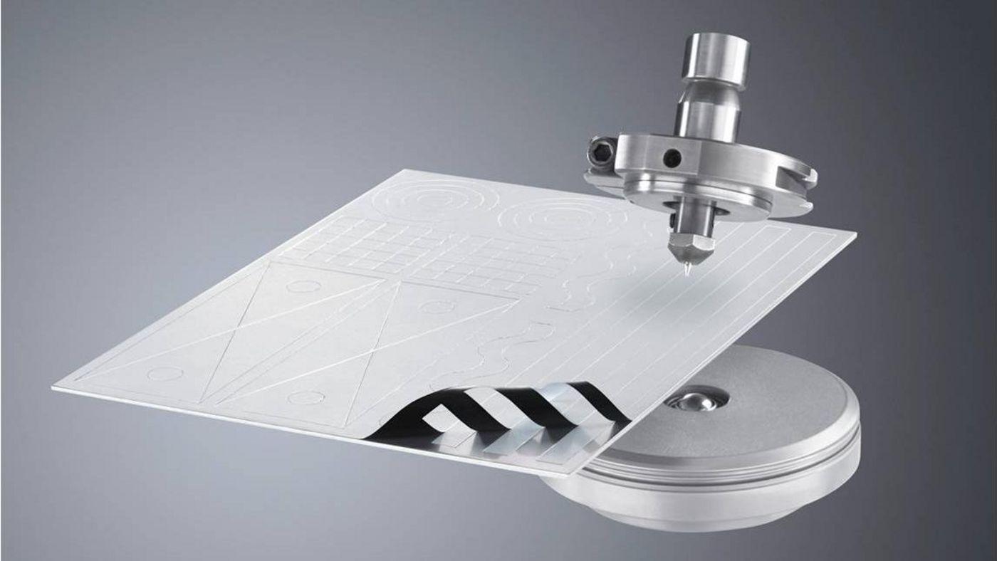 Folientrennwerkzeug mit Musterblech