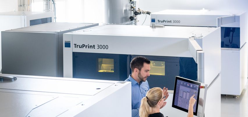 Modular system for industrial additive manufacturing using TRUMPF products from part and powder management