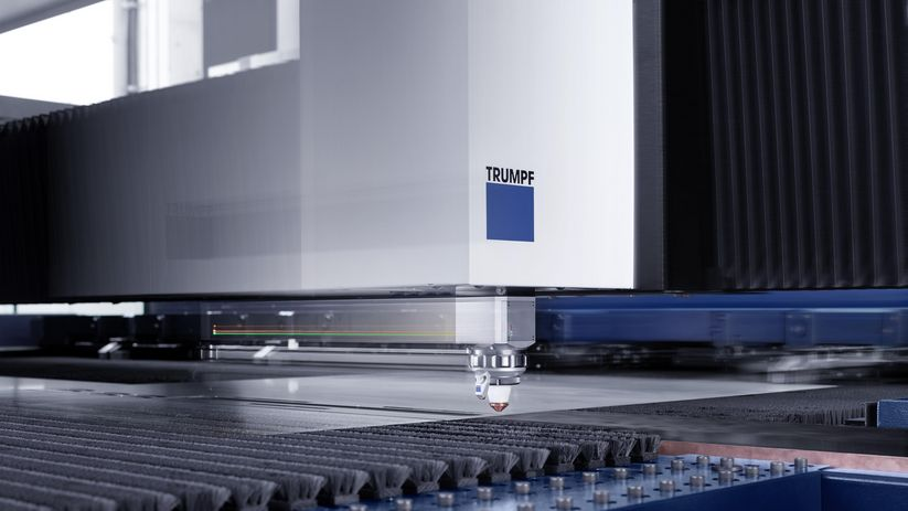 TruLaser Center 7030, la tête de coupe en action