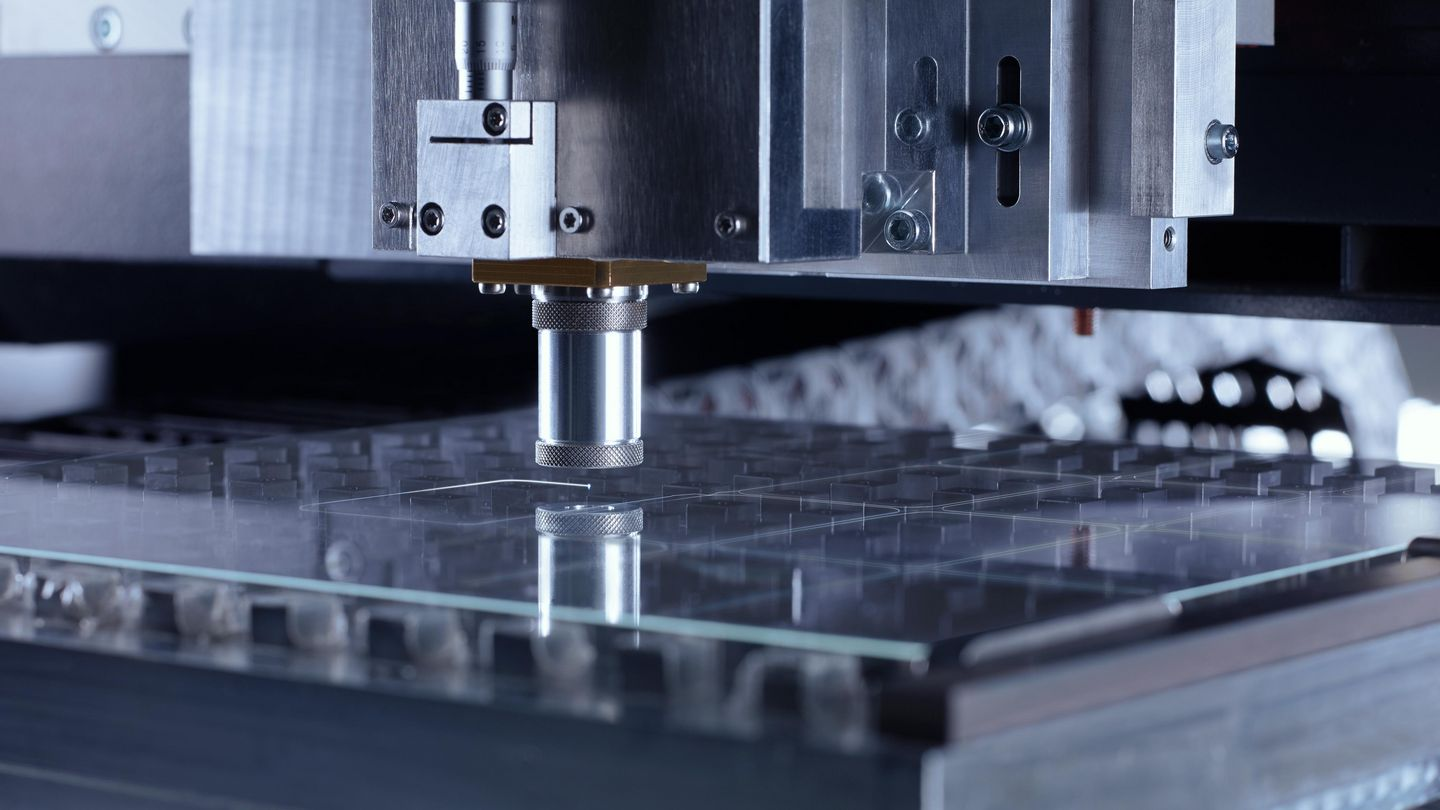 TOP Cleave optics, high-speed laser cutting of glass