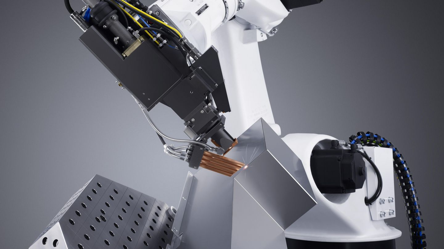 Robotic welding with TRUMPF focusing optics