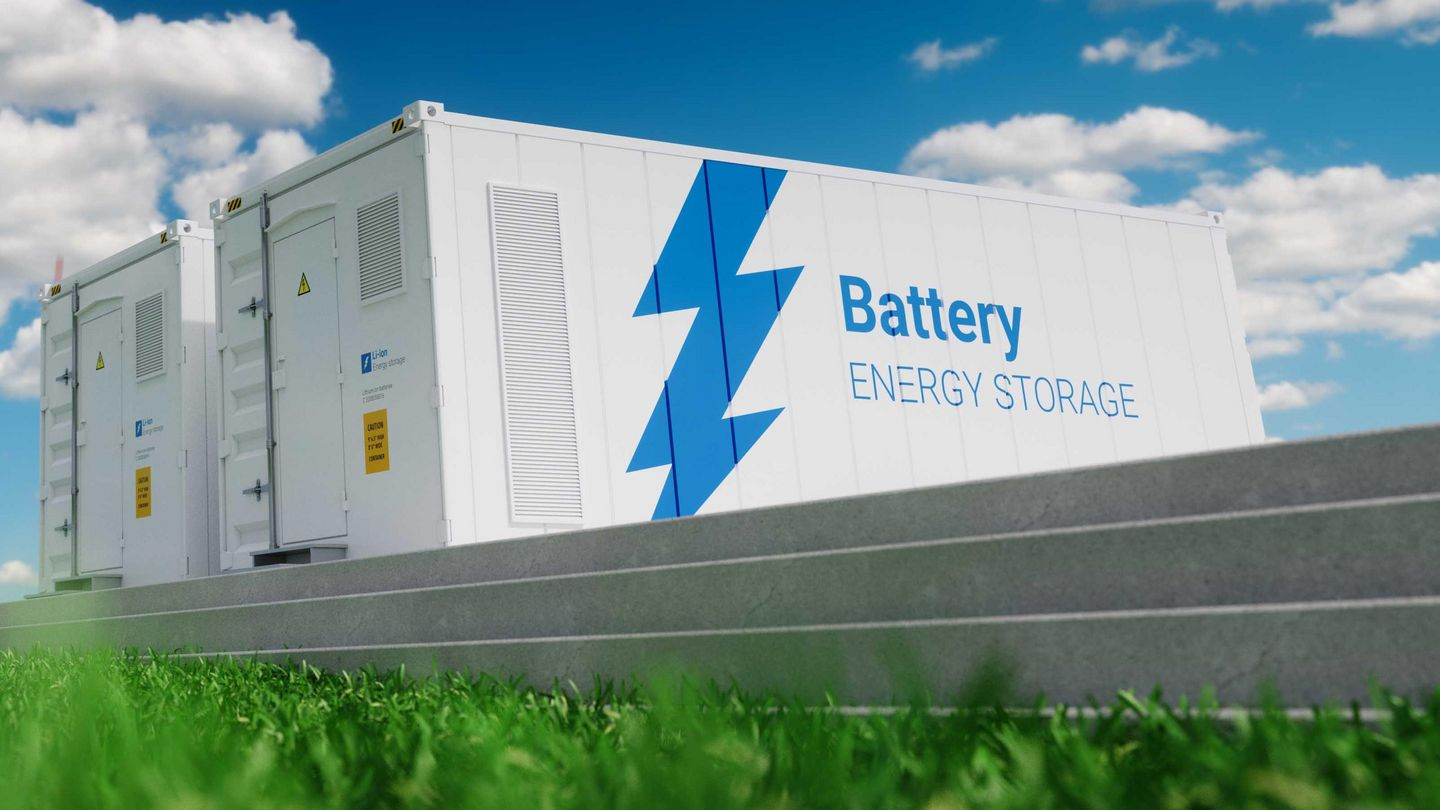 Efficient and cost-effective use of battery storage systems