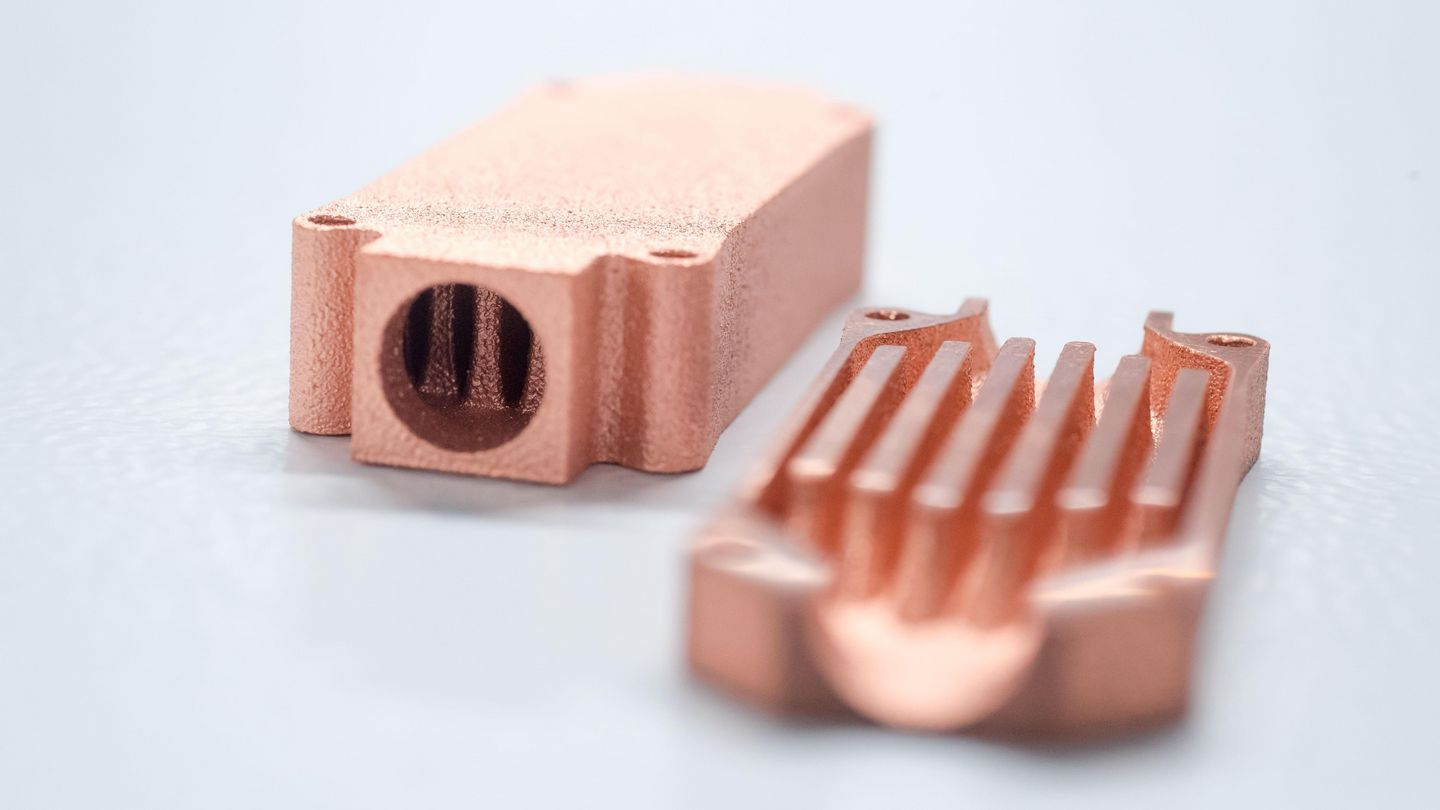 Transistor cooler made of pure copper, manufactured with 3D printing